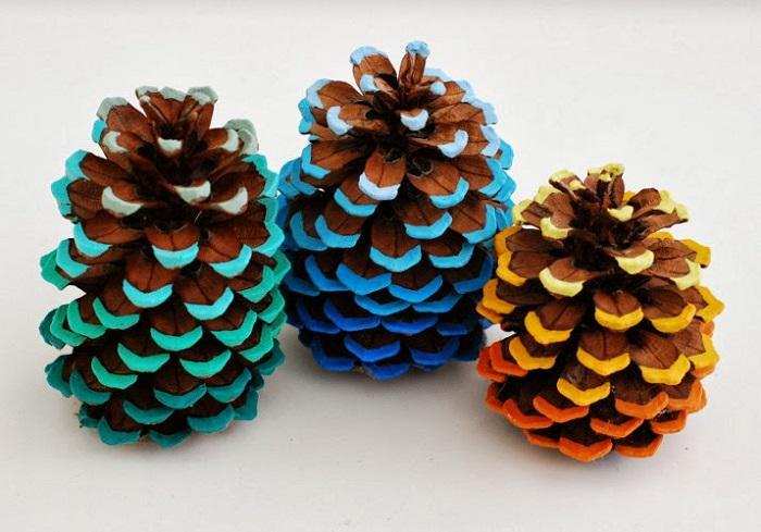 #DIY du dimanche : Apprenez à transformer des pommes de pins en objets de déco colorée http://t.co/lum3kUxmya