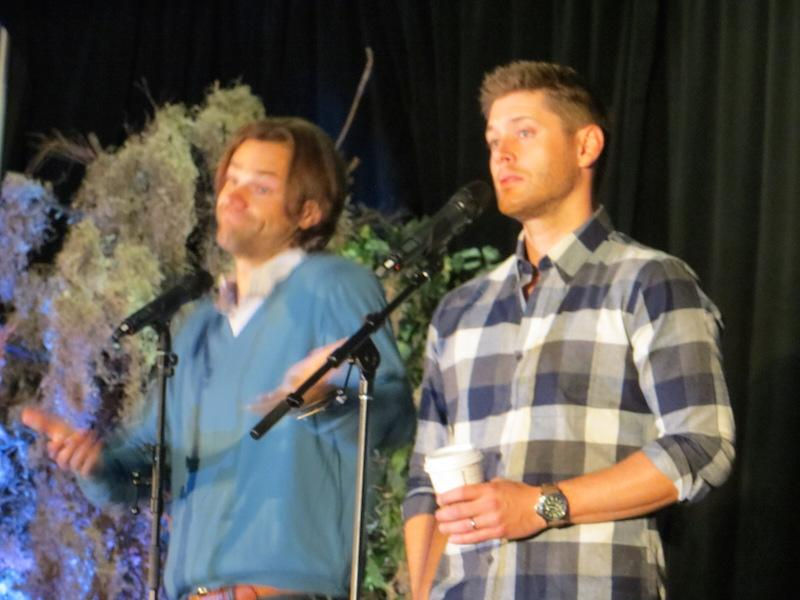 """Why doesn't Sam make close friends but Dean does?  Jensen - """"Because Dean is a whore."""" #Supernatural #Torcon http://t.co/vTDuCgdHOk"""