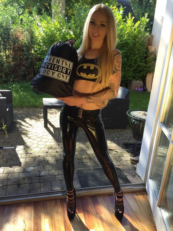 TW Pornstars - Lucy Cat. Twitter. #sportbag #latex #rubber