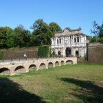 Fortezza Cittadella, Palazzo Pallavicino, Chiesa delle mura: domenica #FaiMarathon a #Parma http://t.co/YQW0Ub3cEI http://t.co/gYP1fQySst