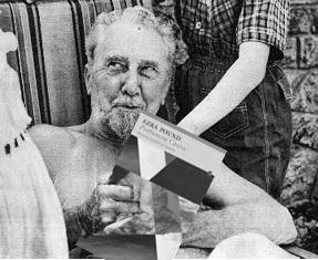 just unboxed Ezra Pound's Posthumous Cantos, fresh out from @Carcanet . The Naked Modernist returns! http://t.co/W5DfbUIFSq