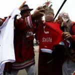 "Chamanes peruanos realizan ""ritual espiritual"" contra Alexis Sánchez » http://t.co/pEeTTB5w9G http://t.co/I2ZlTcYQxD"
