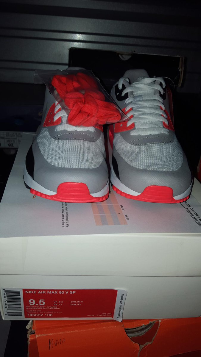 Air max 90 v sp infrared Patch DS w receipt sz 9.5 200 obo RT plz http://t.co/9gBmZhGEqX