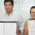 Firma de Convenio @29SNTE y el @IEATTABASCO Programa de Alfabetización, preocupados por la educación en #Tabasco http://t.co/SsUKFk9pE3