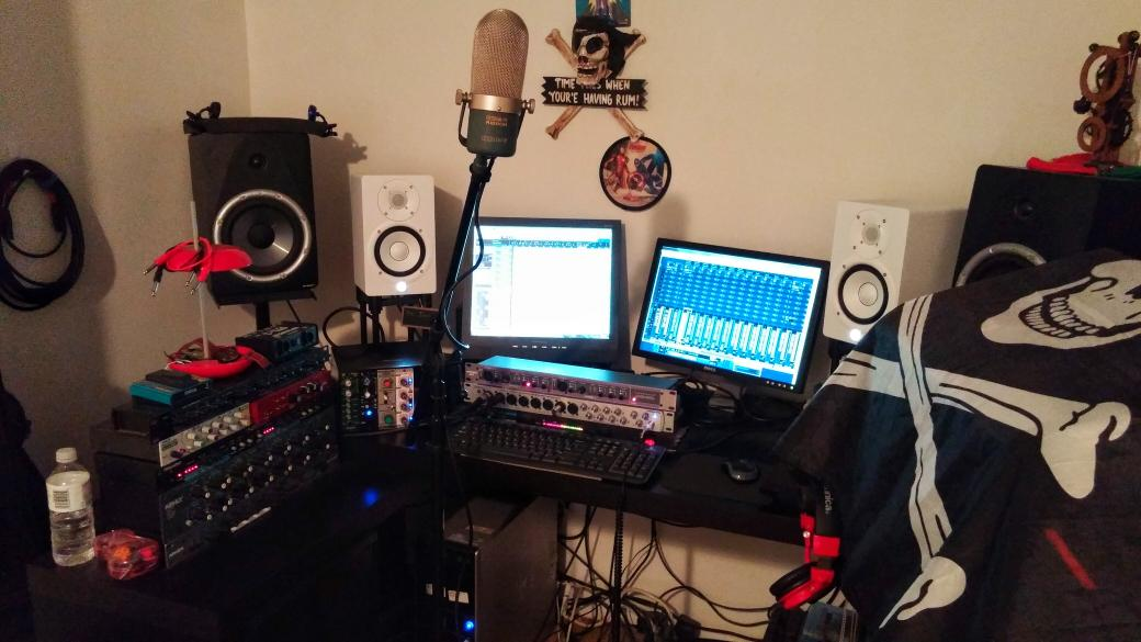 Cutting vocals for a new song #newmusic #RecordingArtist http://t.co/p1vwPpHvyy