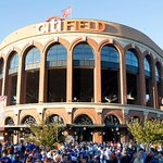 .@Dodgers-@Mets coverage will begin on TNT, move to TBS at conclusion of @Cardinals-@Cubs game. #NLDS http://t.co/mvnyfpL3tY