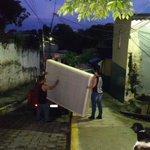 Miembros de  la MS han obligado a varias familias de Col Guatemala, San Salvador, a abandonar sus casas. Otro éxodo http://t.co/YdCJRX2GS4