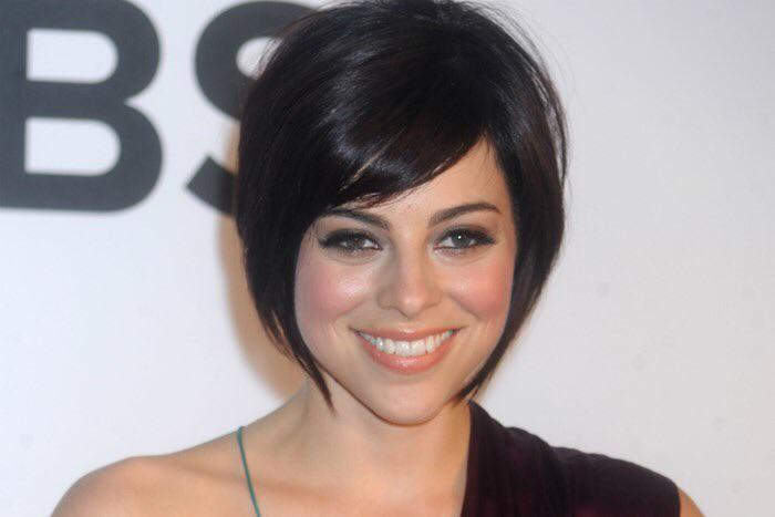 Broadway star Krysta Rodriguez joins me live tonight at 6 talking about her career and breast cancer treatment. http://t.co/nqsR0HRrjt