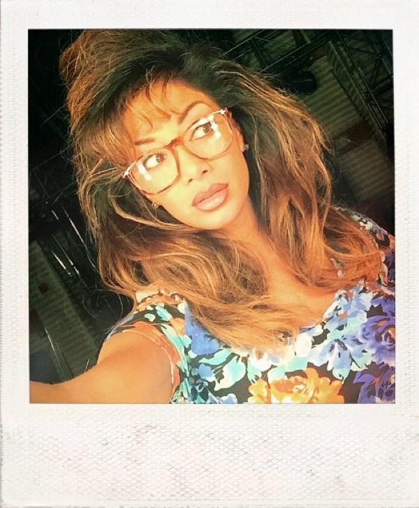 #BestTimeEver #90s #hair Channeling my inner #kellykapowski ???????? http://t.co/eD2FqdQ08R http://t.co/JU7N6eYNM6