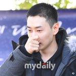 Super Junior ウニョク、入隊現場(10/13) http://t.co/wc1Z0jHwPj http://t.co/8iBVrTZ7Hb