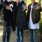 Super Junior カンイン、ウニョク、イトゥク(13日、ウニョクの入隊現場) http://t.co/wc1Z0jHwPj http://t.co/kHLfE0KXw1
