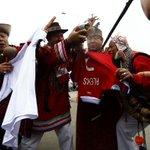 [FOTOS] Chamanes peruanos realizaron ritual en contra de la Selección Chilena → http://t.co/9lYnomdiKW http://t.co/Pj4XPzNPER