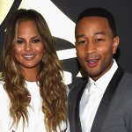 Congratulations to @chrissyteigen & @johnlegend! They just announced theyre expecting! http://t.co/PTuQh4V9DS http://t.co/iiDuP5wt5p