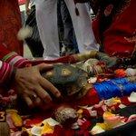 Foto de brujos peruanos muestra a PEPE ROJAS lesionando a Alexis Sánchez, lo que no saben es que Pepe no fue nominado http://t.co/yeCn57TTXa