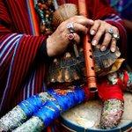 Chamanes peruanos realizan ritual espiritual contra Alexis Sánchez→ http://t.co/Hw5ii0vhY1 http://t.co/YLl44wDpwv