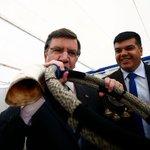 Combatimos a los peruanos con sus mismas armas. El machi Joaquín Lavinao invocando la ayuda de nuestros ancestros http://t.co/sc9Jrka4VM