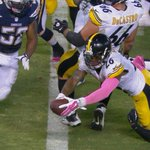 WALK-OFF TOUCHDOWN!!! LeVeon Bell gets the ball in the wildcat formation and runs it in for the game-winning TD! http://t.co/orY1qi3V9n