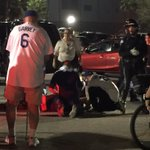 @Dodgers fans rush to help @Mets fan after hes critically injured in a fight after Fridays game. Latest at 11pm http://t.co/7v0oRBkEp8