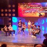 Kutsara at Tinidor na Hello Kitty ang regalo ni Mike kay Ms. Pastillas. #ShowtimeSingOutLoud http://t.co/tlI3dJq4mU