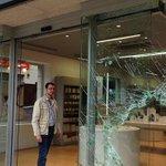 #Cáceres Roban de madrugada en la tienda de Mecanorba tras romper el escaparate http://t.co/xnuPEDFOq7 http://t.co/lHuiNB32A3