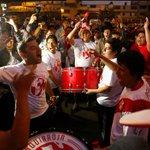 Hinchas peruanos intentan perturbar a la Roja en hotel de concentración→ http://t.co/OrX95EBlmH http://t.co/4tyiJlCQHr