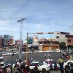 Taxistas en avda Las Américas(Yuan Lin) http://t.co/PiQKrSqHGt
