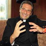 Igreja é homofóbica, cheia de medo e ódio, diz padre gay afastado pelo Vaticano http://t.co/FAiHZ2ngJT #G1 http://t.co/LPeKOZNbY7