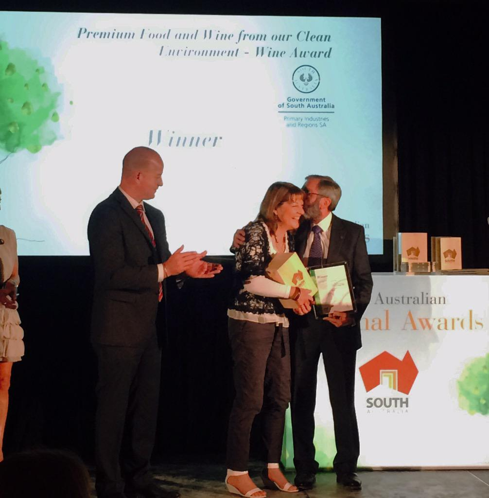 We won! Stephen & Prue #Henschke collecting the Premium Food & Wine from our Clean Environment award @brandsouthaust http://t.co/SXUURaN9Gn