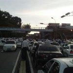 Taxistas trancan Pie de El Llano http://t.co/EGPbTWcUOZ