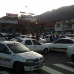 Trancazo de taxistas en avda Las Americas http://t.co/TFMTjQGM4y