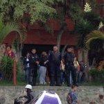 Funcionarios de Poli Mérida observan el trancazo taxista en Mérida http://t.co/UebEM5IK8z