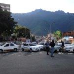 Av Centenario Ejido solo dejan pasar los vehículos de emergencia http://t.co/Kr5fQAzsSx