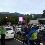 #13O #Merida El PUEBLO toma la CALLE Taxistas contra la INSEGURIDAD y el @GobAlexisR se esconde y no da la cara http://t.co/5W79AjVD4U