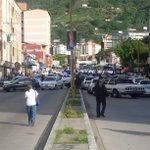 Int. Viaducto Campo Elías no hay por donde circular,,Tranca total ni motos pasan http://t.co/1yEg8zkfsi Via @leoperiodista
