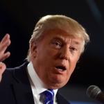 Grab some popcorn: Donald Trump will be live tweeting tonights #DemDebate. http://t.co/ZC0IRdWbde http://t.co/NxBloNGXl5