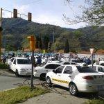 Tranca en se semáforo la Avioneta en La Parroquia http://t.co/nwYNQY4Dia