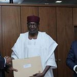 Saraki announces Buhari's 2nd list To Read>> http://t.co/0qPqG72tNP http://t.co/9wMugIYEcA