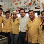 "Gracias al Sr. Carlos Vidal Oramas ""Lenchito, Centauros 19"" por sus atenciones. http://t.co/pGFEvmjn0Q"