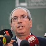 Eduardo Cunha disse que despacha até amanhã pedidos de impeachment contra Dilma Rousseff http://t.co/IoUcamLrmX http://t.co/IizVWnYU9d