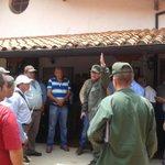 En Res del Gob Merida se lleva a cabo la reunión con los taxistas, actitud conciliadora se nota en el Gral de GNB http://t.co/Z1etvDw2lS