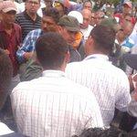 GNB trata de que los taxistas levanten protesta, estos se niegan hasta que los acuerdos se cumplan http://t.co/M4gc4nmEa0