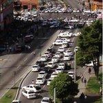 Sigue el trancazo de Mérida por taxistas que entre otras cosas piden seguridad. http://t.co/wszlVO7AZc