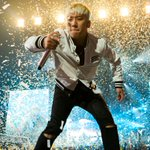 """""""K-Pop crew Big Bang conquered the New York area on Sunday. See our explosive photos http://t.co/Eyxfup5Mwk http://t.co/M0ITRaDWK2"""""""