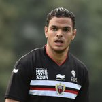 RT si selon-vous Hatem Ben Arfa doit remporter le Trophée UNFP du meilleur joueur de Ligue 1 en septembre ! http://t.co/Xd4HM00SAU