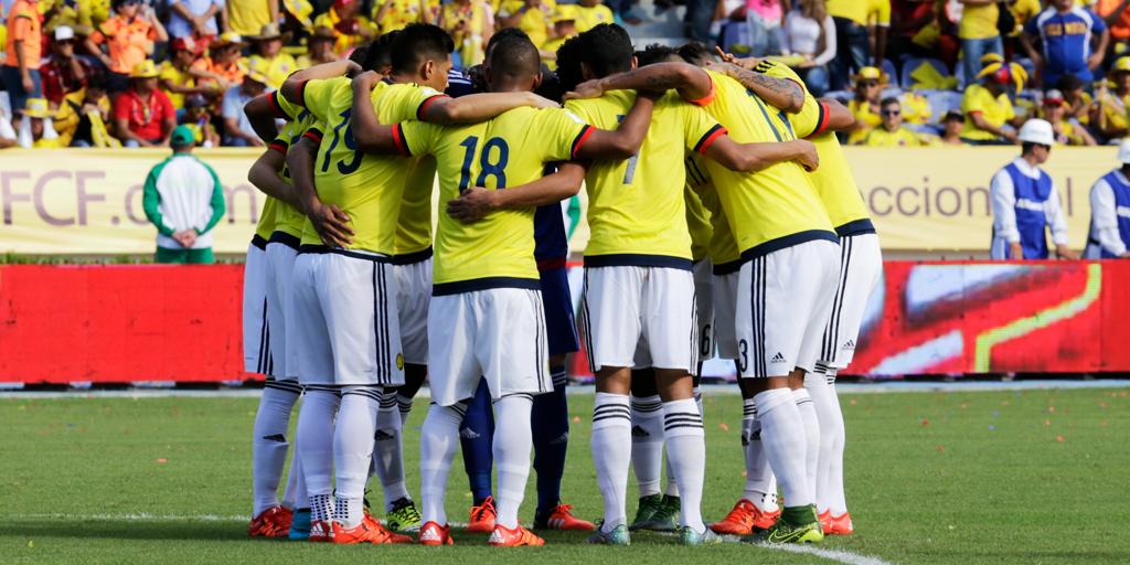 #MásAlláDeLaVictoria o la derrota, demostrémosle a Colombia que unidos es posible un mejor país ⚽ http://t.co/4vlCR3QZqi