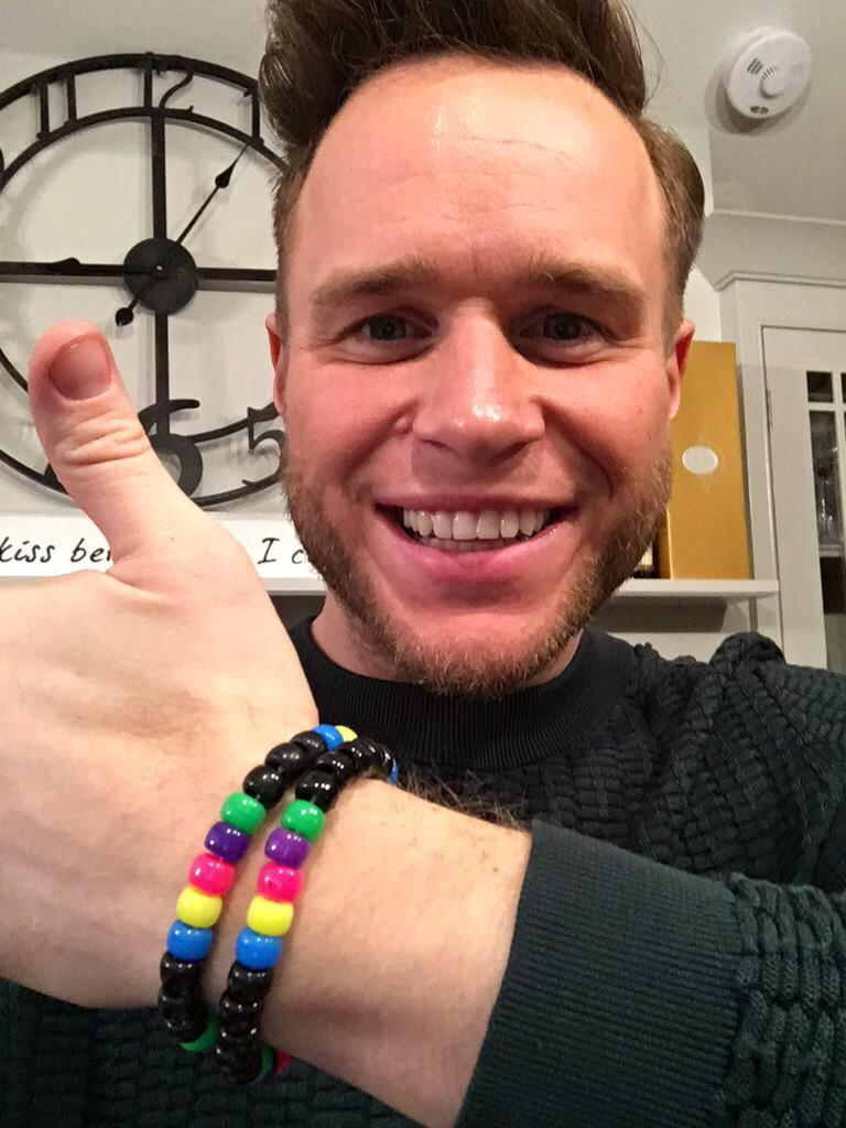 As if .@ollyofficial has just dm'd me this pic to spread #Harrylove http://t.co/zyEOjumPlu to get yours! @dt1979 http://t.co/iLPHjmlP3S