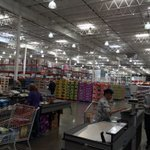 No traffic, and no lines at Costco! Holiday? #CUBS http://t.co/ykNDJA5wQY