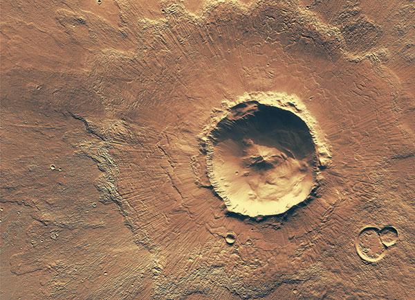 How cool! @MartianMovie uses several images of Mars taken by a camera designed at @ASU: http://t.co/JRJMsIv8bl http://t.co/9R8QjMJCPD