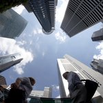 #Singapore economy grows 1.4% in Q3, narrowly escaping technical recession http://t.co/5E6oCZNwAF http://t.co/vCawvShp8l