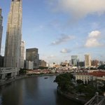 JUST IN: Singapore GDP grew 1.4% in Q3, 2015 on a year-on-year basis, says MTI http://t.co/FUXeKIB440 http://t.co/1bW4zLz9df